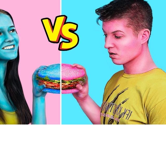 24 часа одного цвета / Голубая еда против розовой еды-11 идей / Трум Трум