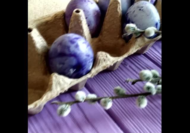 Пасхальные яйца. Красим яйца на Пасху с помощью чая каркаде