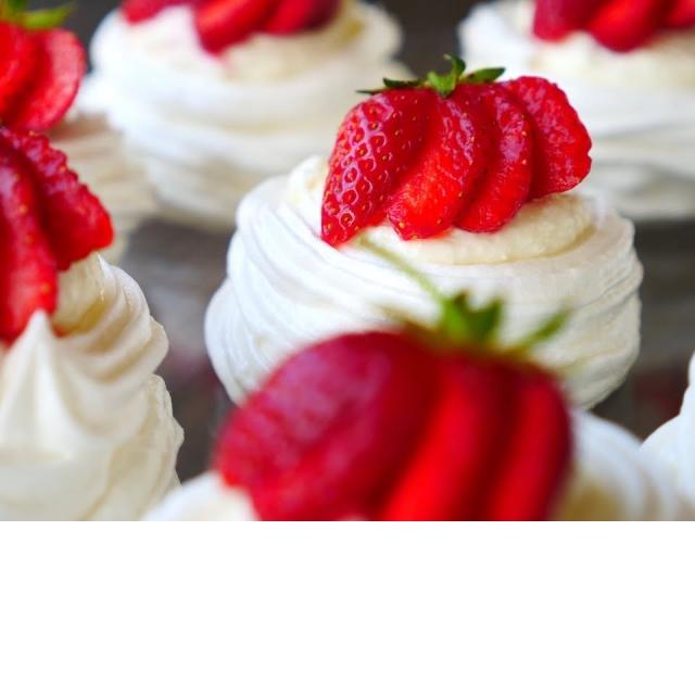 Творожное Пирожное с Клубникой   Обязательно Приготовьте эту ВКУСНЯТИНУ