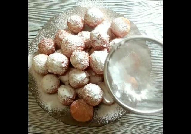Нереальные. Творожные колобки. родом из детства. да да те самые с сахарной пудрой.
