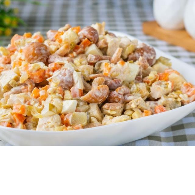 Салат Машеровский - конкурент салату Оливье на праздничном столе