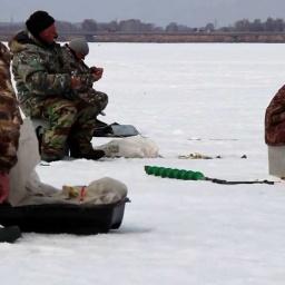 Зимняя рыбалка - Новосибирск Обское Водохранилище Окунь Сорога  Ерш много