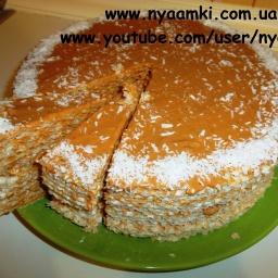 Видео рецепт: Торт со сгущенкой