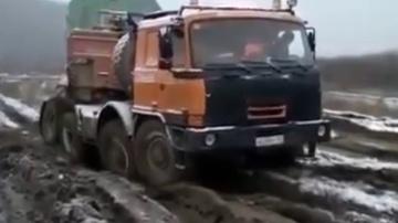 Бездорожье России  Видео драйв автомобили внедорожники по бездорожью России