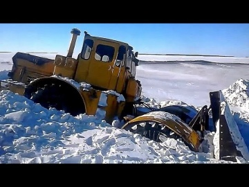 По бездорожью зимой на тракторах и вездеходах на севере России