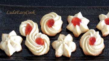 Позитивная Кухня bánh QUY bơ Tết nhân dâu tây hình hoa mai lòng trắng trứng video shortbread cookies