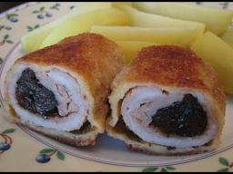 Рулетики из свинины с клюквенной начинкой и черносливом | Рецепт Ирины Хлебниковой