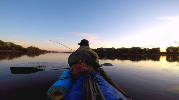 Рыбалка осенью на две ночи. Ловля щуки и судака. Рыбалка на каяке.