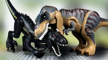 LEGO Мультики про Динозавров | Тиранозавр против Индораптора