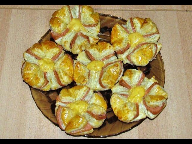 Горячие бутерброды с колбасой в духовке