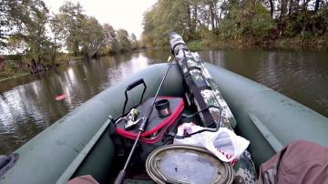 Ловля Щуки на маленькой красивой речке. Рыбалка осенью на спиннинг и жерлицы ( кружки )