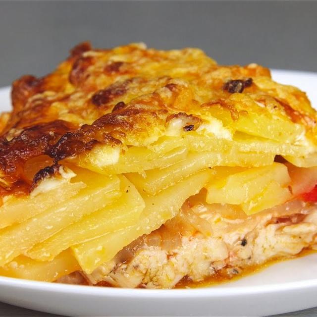 Видео -  КАРТОФЕЛЬ по-королевски  Запеченный картофель с мясом под сырной корочкой  Potatoes in t