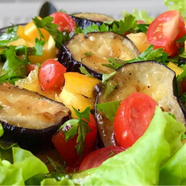Теплый Салат из Баклажанов + Вкусный Соус | Рецепт Ольги Матвей
