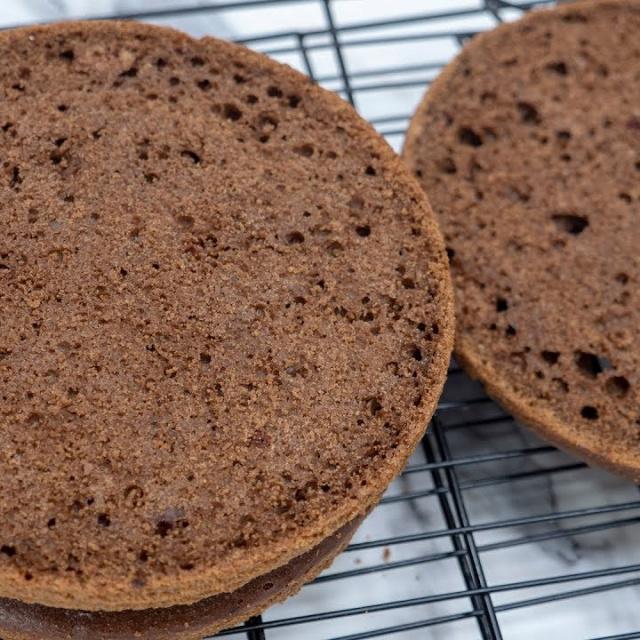 Шоколадный бисквит на сметане - Я - ТОРТодел