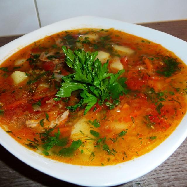 Украинский суп с кислой капустой и пшеном капустняк