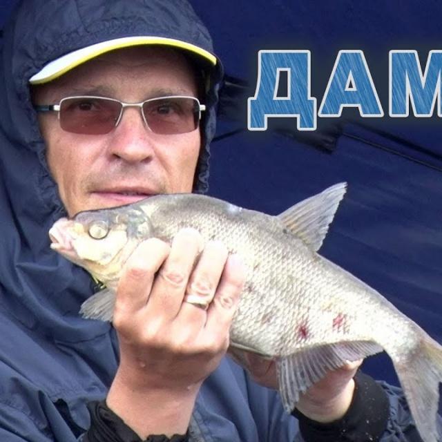 Рыбалка с фидером на дамбе Финского залива в проливной дождь salapin ru