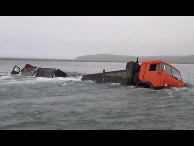Опасные дороги севера утопили в реке урал и камаз дальнобойщики по бездорожью