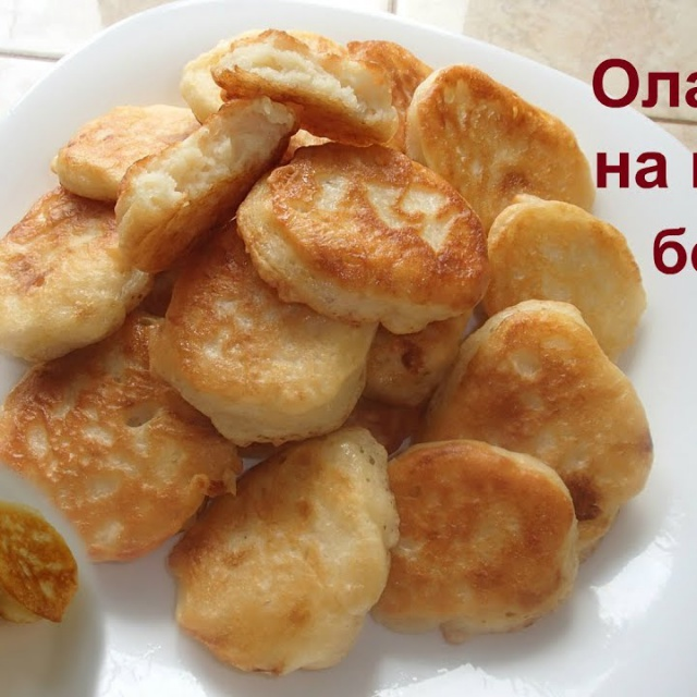 Самый простой рецепт пышных и вкусных оладий на кефире и без яиц.