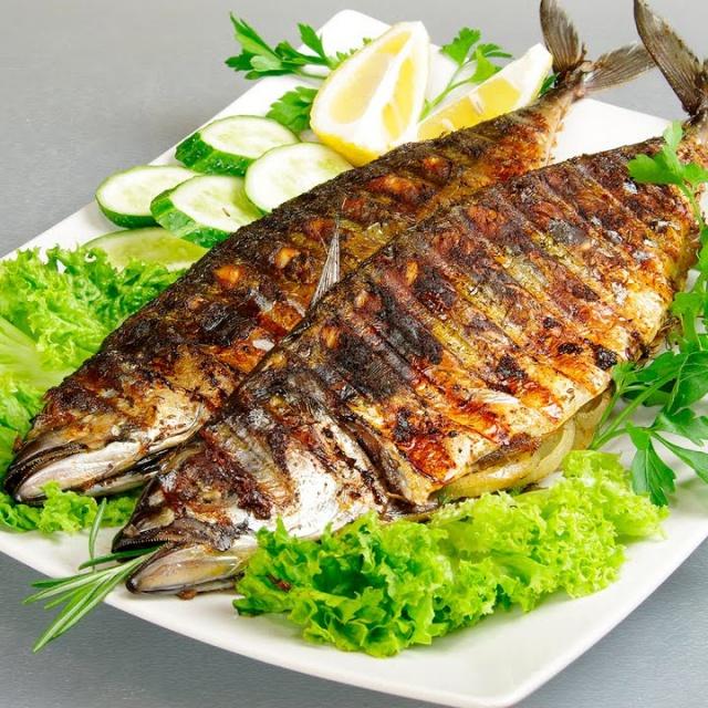 Видео -  СКУМБРИЯ на гриле GFGRIL  Просто и Вкусно! Fish on Grill