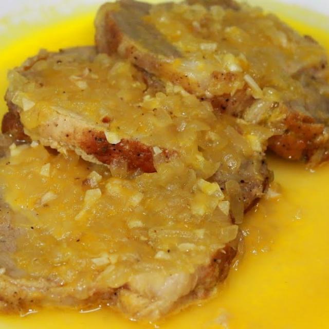 Видео рецепт - Вкусная свинина в апельсиновом соусе