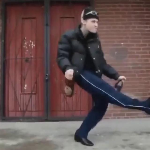 Колян танцует лучше всех - Компиляция прикольных танцев под хит 90-х