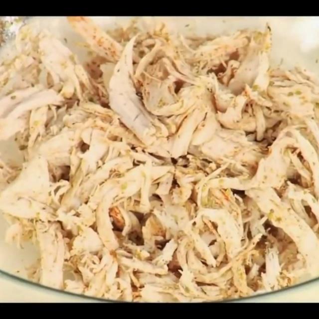 Как разобрать руками отварную куриную грудку на полоски Лазерсон Мировой повар