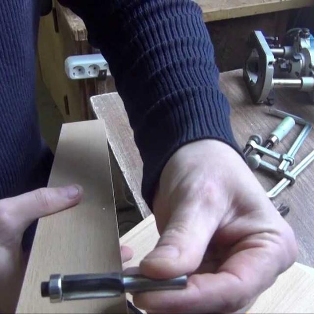Работа ручным фрезером по шаблону