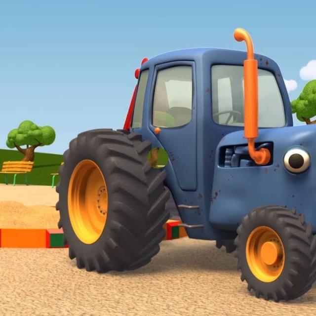 Синий Трактор Гоша-Куличики из песка | Большое и маленькое