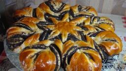 Светлана Чернова -  Праздничный пирог с маком-цветок    (Cake with poppy filling-flower)