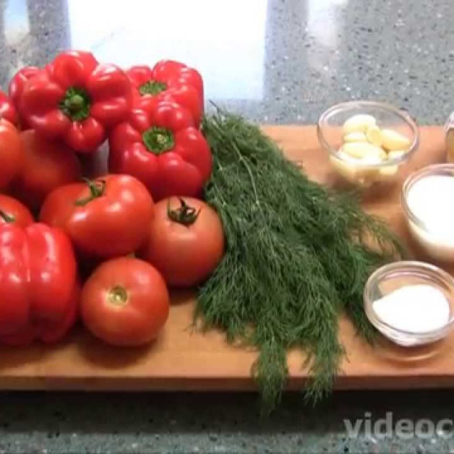Лёгкий салат из болгарского перца видео рецепт