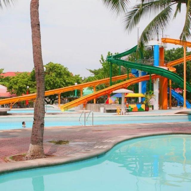 Island Cove Hotel