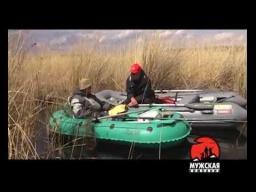 ловля крупного карася с лодки на поплавочную удочку в камыше Видео