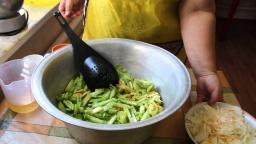 Юлия Минаева -  Оригинальный салат из Зеленых Помидоров