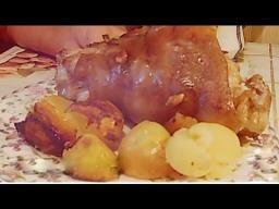 | Рецепт Светланы Черновой Очень сочная и мягкая свиная рулька запеченная в духовке