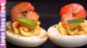 Оригинальная закуска к Новому Году фаршированные яйца | Позитивная кухня