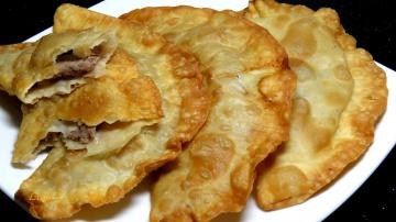 Позитивная Кухня Как приготовить ЧЕБУРЕКИ видео рецепт Очень вкусные и сочные чебуреки | Delicious C