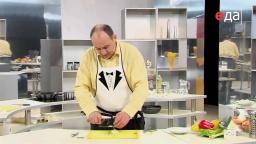 Как замариновать лук для бутербродов с килькой мастер-класс от шеф-повара / Илья Лазерсон