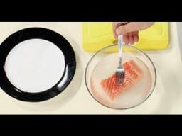 Для чего рыбу перед запеканием маринуют в соли и сахаре / Илья Лазерсон / Обед безбрачия