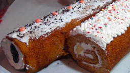 Рулет медовый со сметанным кремом-безумно вкусный  (Roll honey with sour cream) | Рецепт Светланы Че
