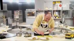 Салат из яйца и соленых огурцов со сметаной как соус к рыбе рецепт от шеф-повара / Илья Лазерсон