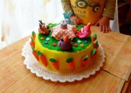 "Торт ""Смешарики"" - работа с сахарной мастикой"