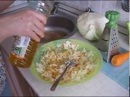 Ольга Уголок -  Салат витаминный из свежей капусты,вкусно,быстро и полезно.