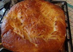 Пирог с капустой и мясом из дрожжевого теста
