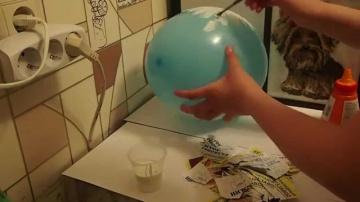 Как сделать большое яйцо Киндер Сюрприз своими руками