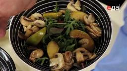 Подача (сервировка) тёплого салата от шеф-повара /  Илья Лазерсон / Обед безбрачия