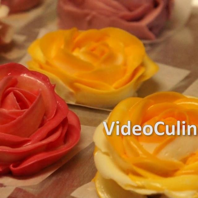 Украшение торта розами из крема