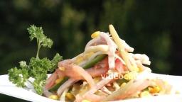 Салат из кукурузы с колбасой - Рецепт Бабушки Эммы