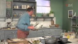 Колхозный салат из соленых огурцов к котлетам рецепт от шеф-повара / Илья Лазерсон