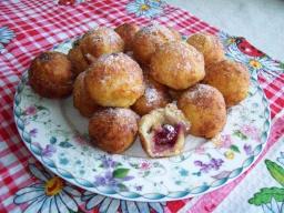 Творожные пончики с вишнями | Рецепт Светланы Черновой