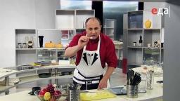 Как нарезать шампиньоны тонкими ломтиками мастер-класс от шеф-повара / Илья Лазерсон